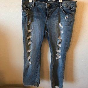 Torrid distressed boyfriend jeans w/frayed ends
